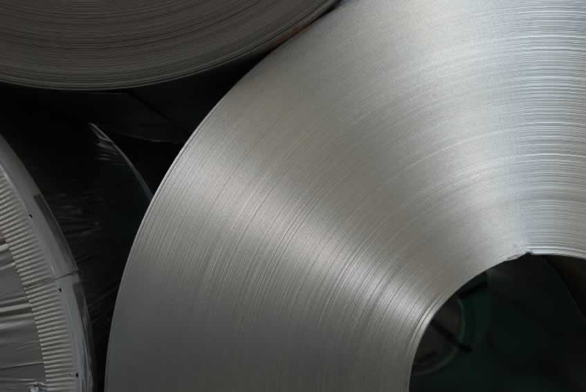 Steel wiping application for polyester pad felt